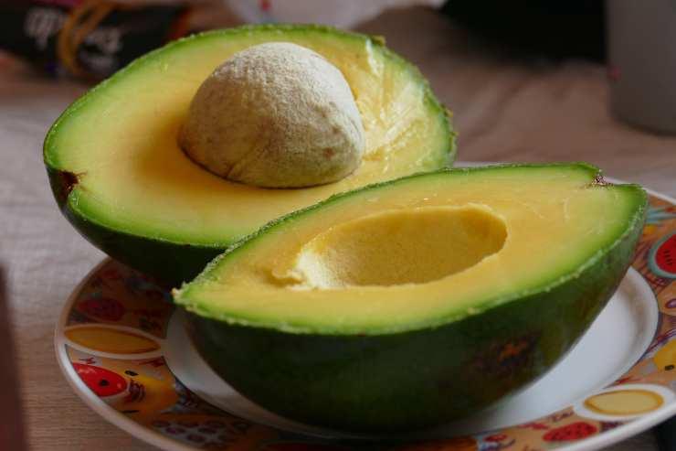 Pappardelle con pesto di pistacchi avocado e stracchino - ricettasprint