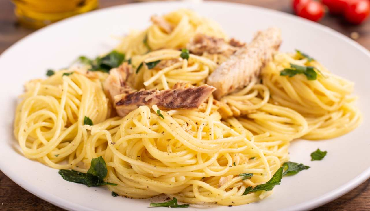 Pasta con sgombro e limone - ricettasprint