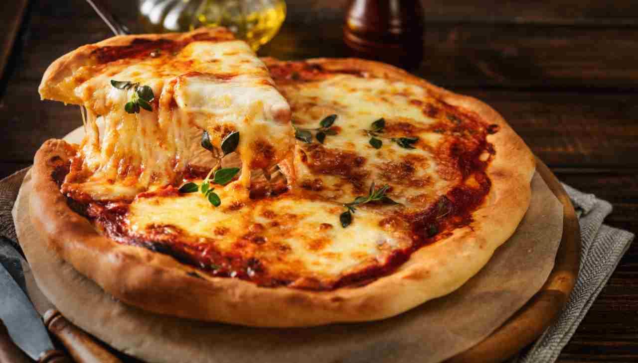 Pizza con farina integrale - ricettasprint