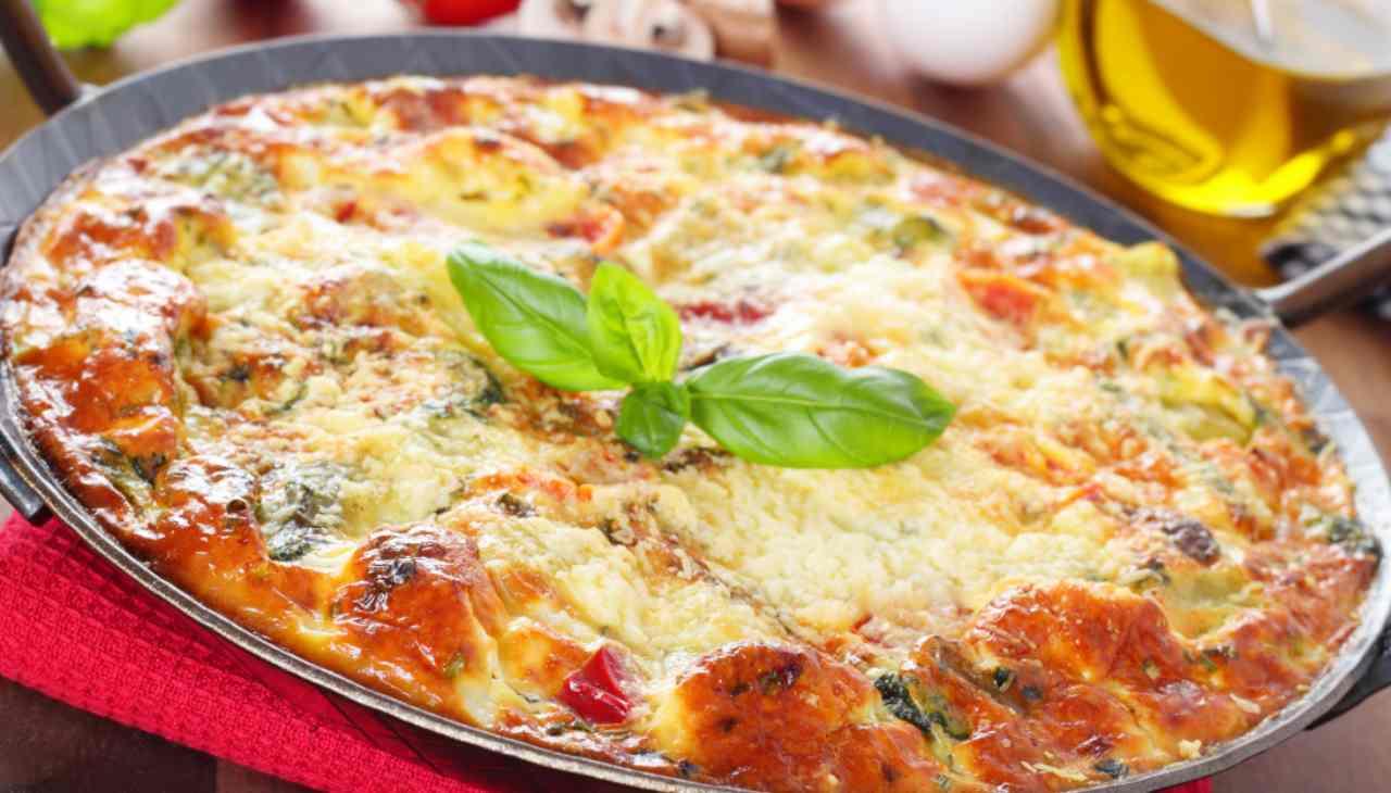 Pizza di zucchine con pomodoro e mozzarella - ricettasprint