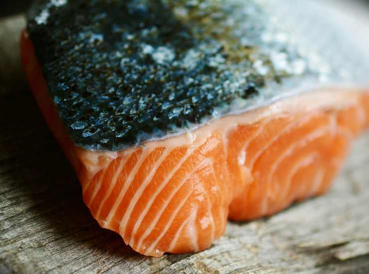 Salmone in padella con pomodorini - ricettasprint