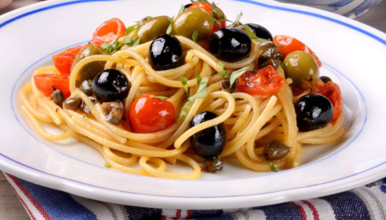 Spaghetti alla carrettiera senza tonno - ricettasprint
