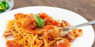 Spaghetti con pomodorini e calamari