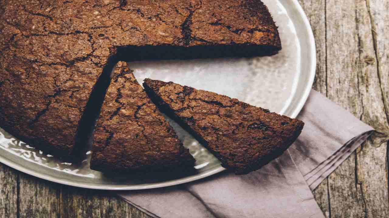 Torta vegana con quinoa e cioccolato