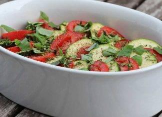 Zucchine al pesto con pomodori - ricettasprint