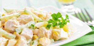 Insalata di pollo con patate e maionese