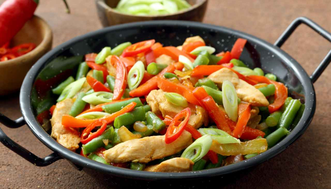Straccetti di pollo con verdure - ricettasprint