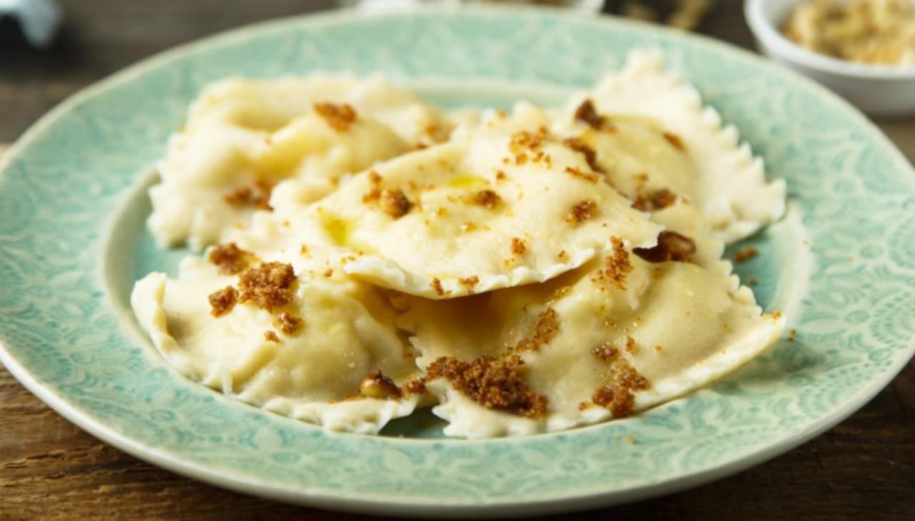 Ravioli patate gorgonzola noci - ricettasprint