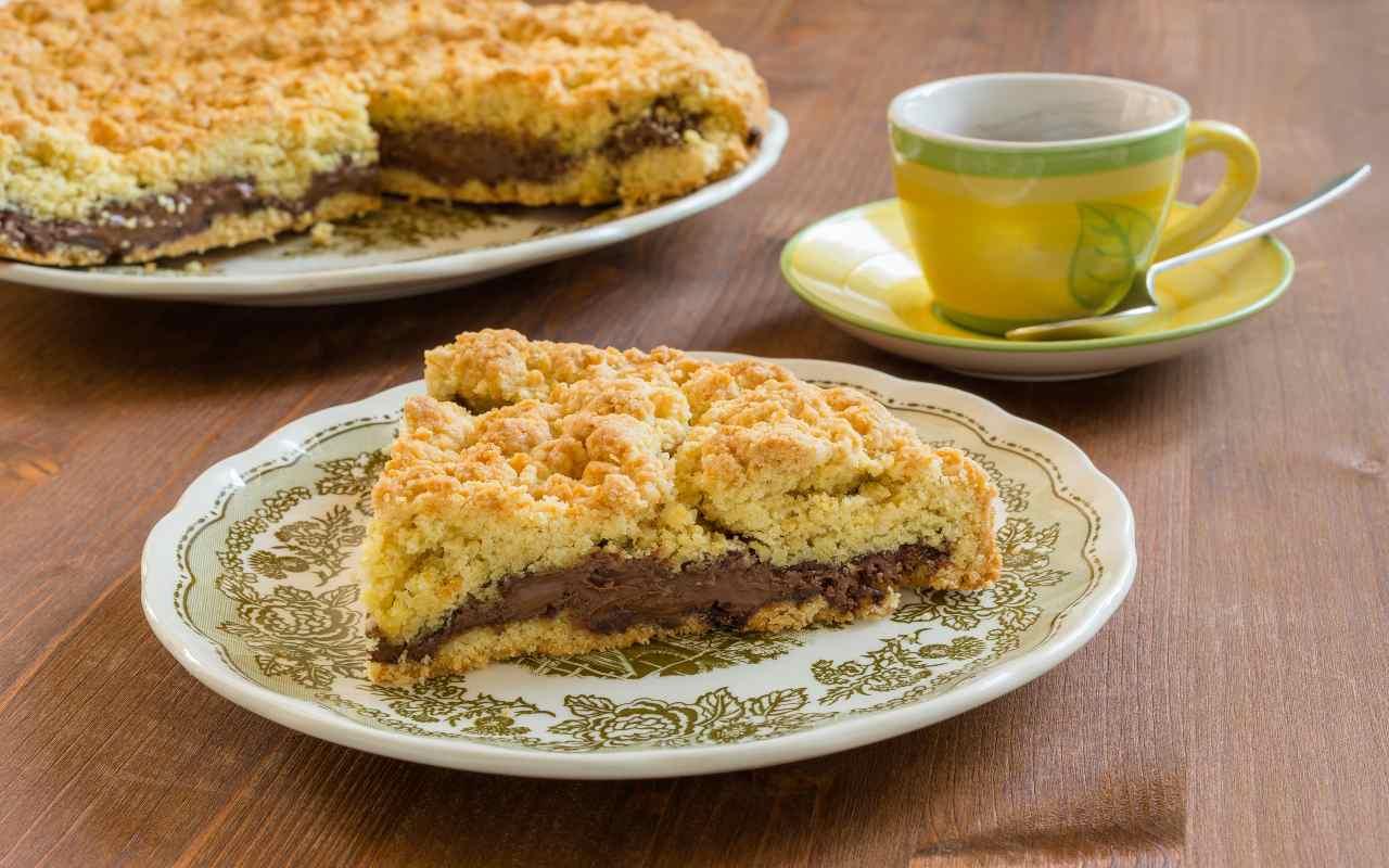 Sbriciolata con gocce di cioccolato e crema alla Nutella FOTO ricettasprint
