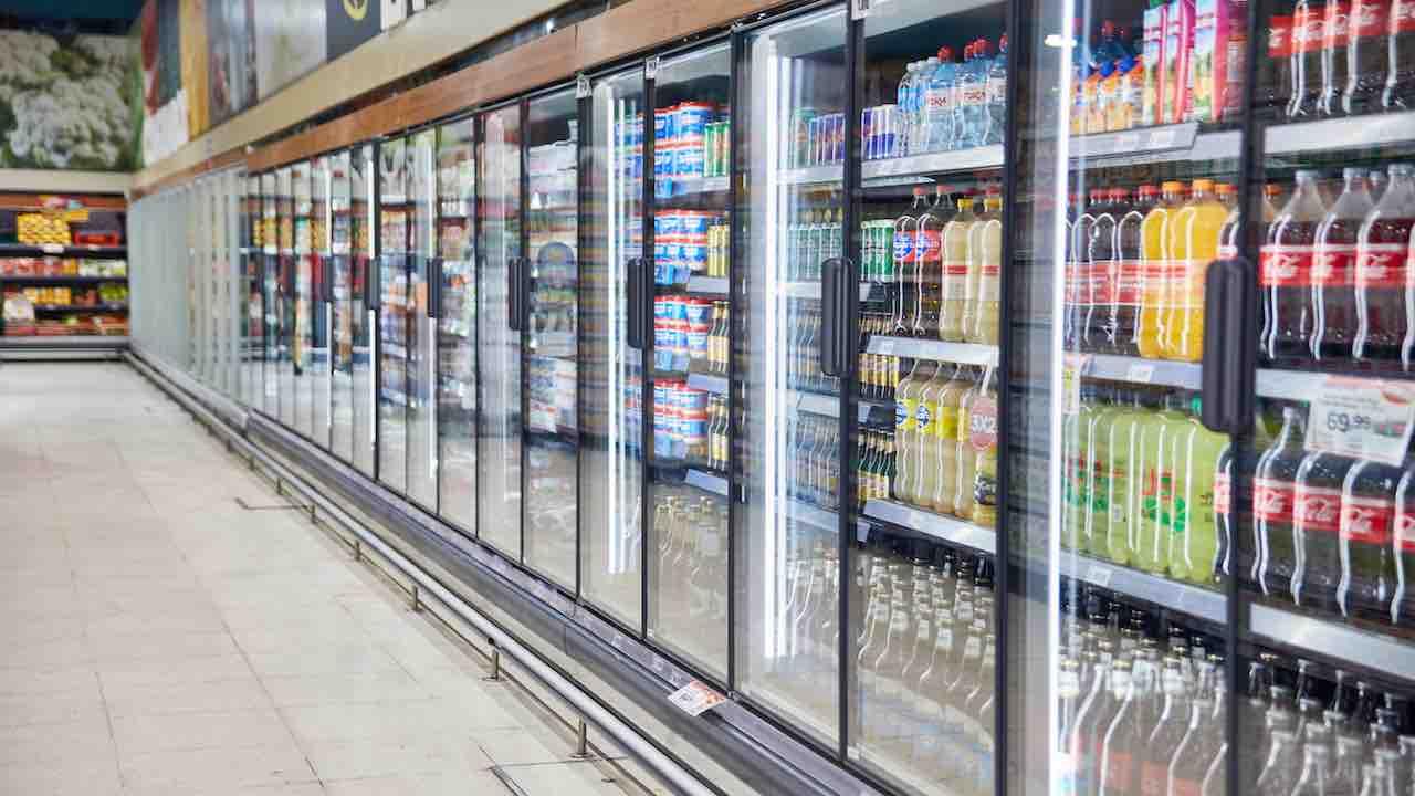 Maniaco manomette delle bibite avvelenate con del solvente al supermercato Foto dal web