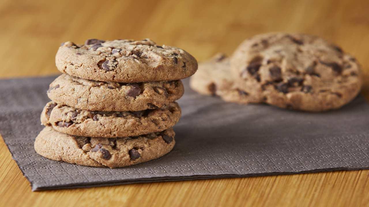 Biscotti con gocce di cioccolato senza burro