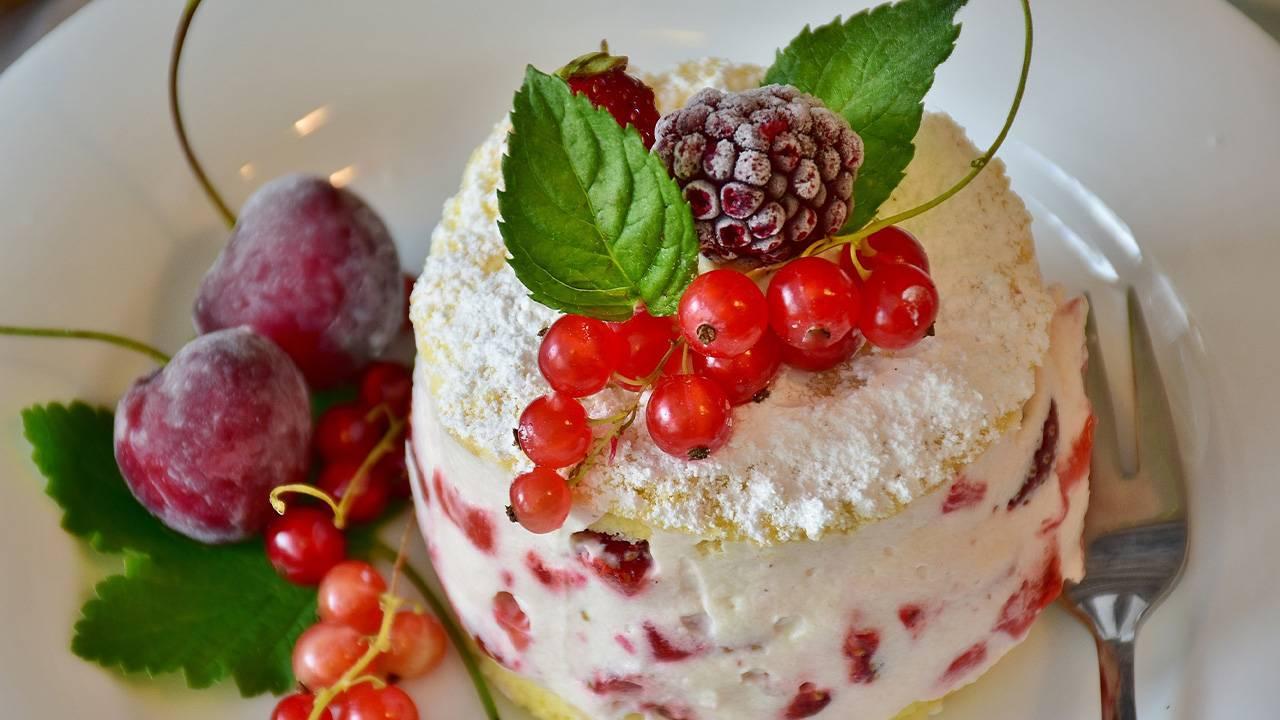 Cheesecake alle ciliegie con yogurt bianco e ricotta