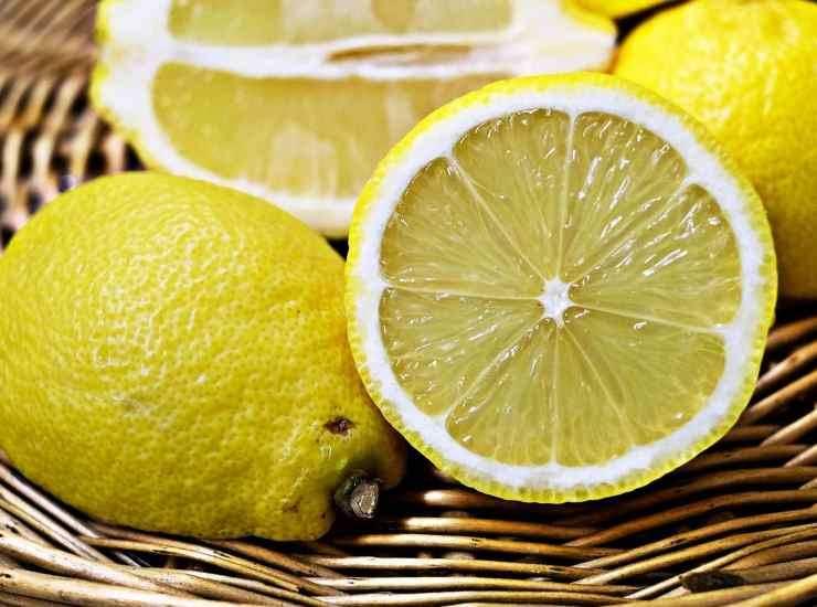 Crema limone e cannella in bottiglia - ricetta sprint