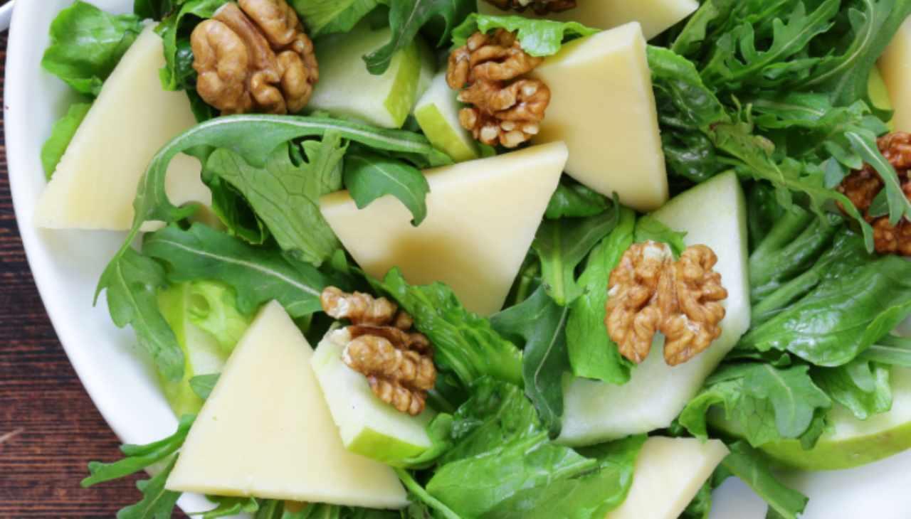 Insalata di rucola formaggio noci - ricettasprint
