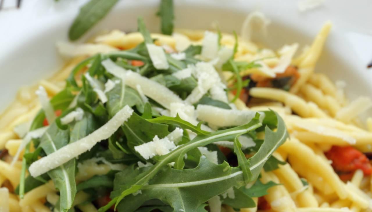 Insalata di trofie con parmigiano - ricettasprint