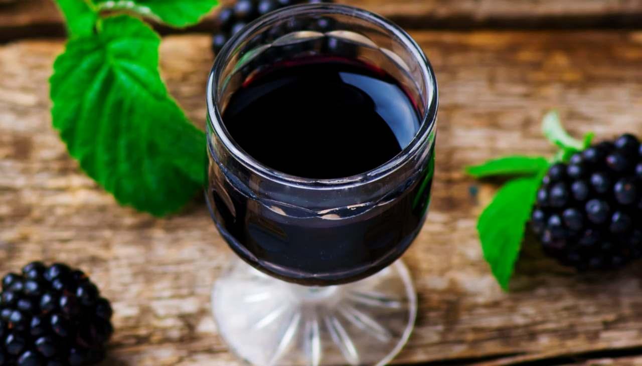 Liquore alle more e vaniglia - ricettasprint