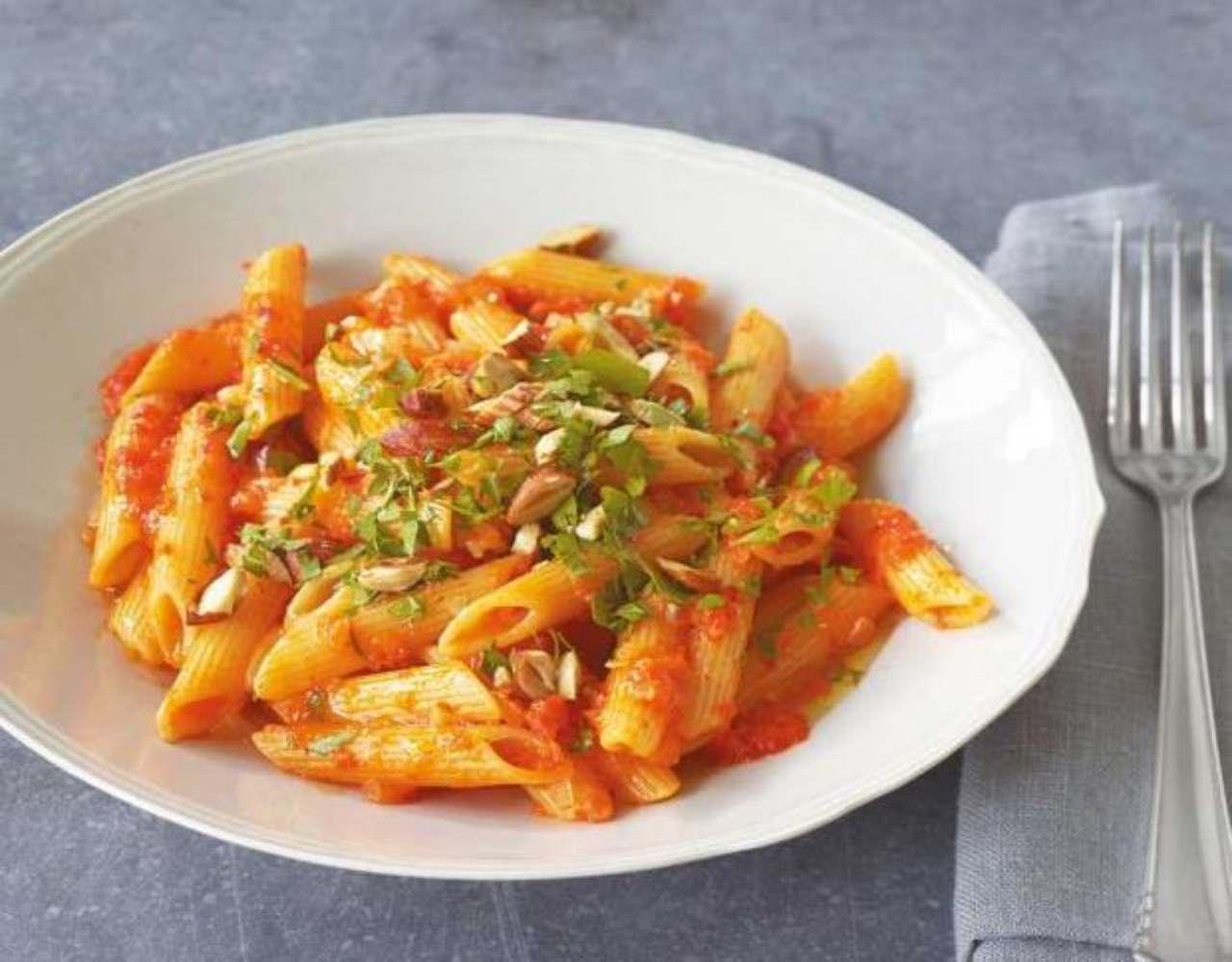 Pasta condita con paprika ed erbe aromatiche FOTO ricettasprint