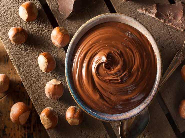 Quadrotti noci e cioccolato fondente