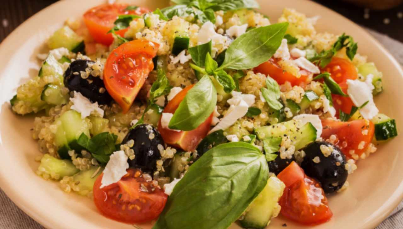 Quinoa con feta e verdure - ricetta sprint