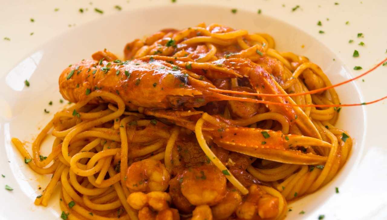 Spaghetti scampi gamberetti alla busara - ricettasprint