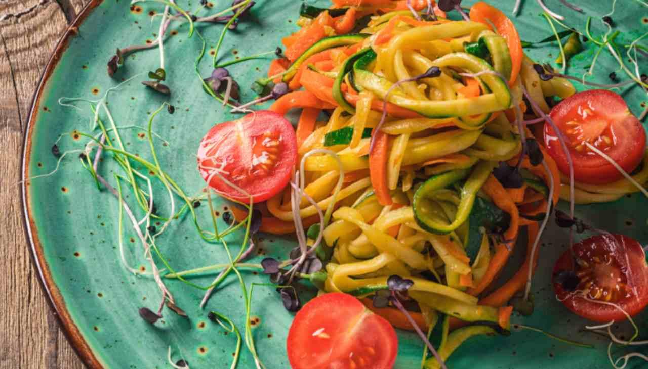 Spaghetti zucchini carote pomodori - ricettasprint