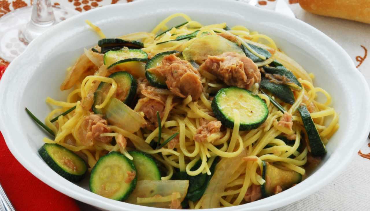 Spaghetti zucchini e tonno - ricettasprint