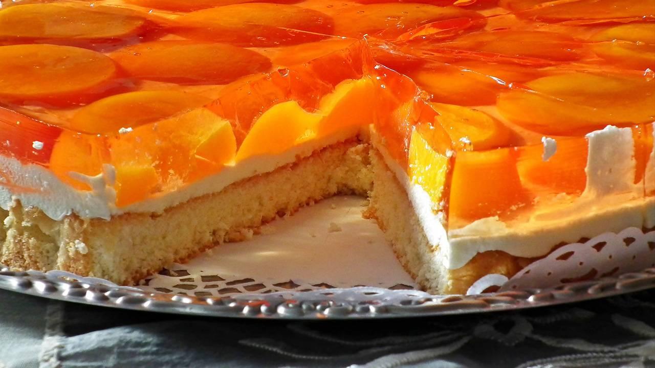 Torta con yogurt greco e arance