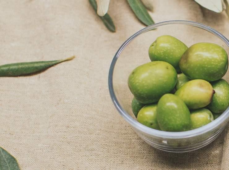 Treccia fomaggio e olive FOTO ricettasprint