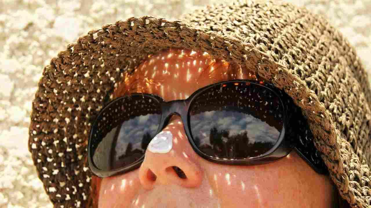 acne adulta cause
