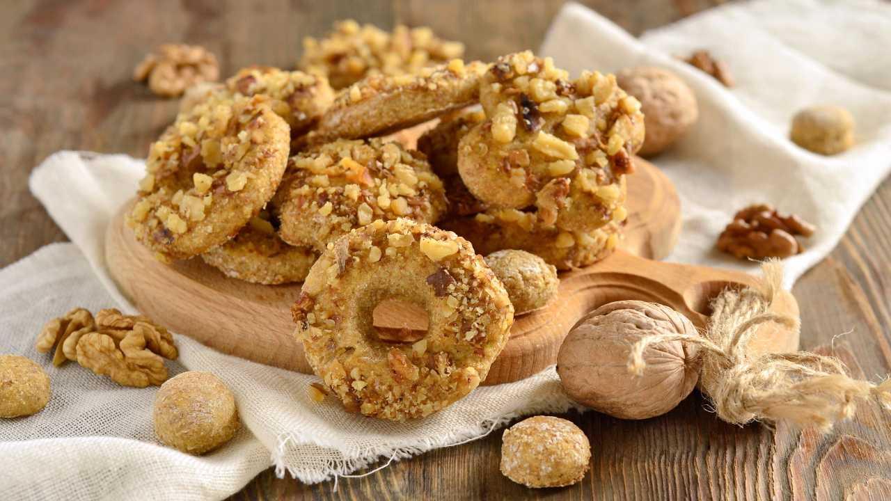 Dessert con noci e nocciole