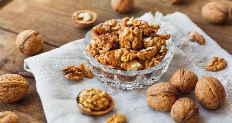 Biscotti cuore di noci e fichi FOTO ricettasprint