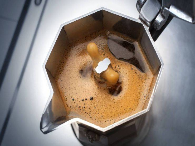 Biscotto farcito con gelato al caffè