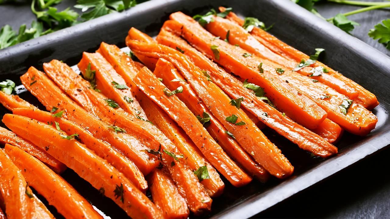 carote con prezzemolo e olio
