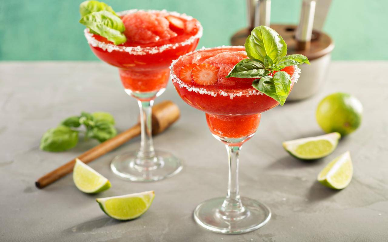 bevanda frutta e basilico FOTO ricettasprint