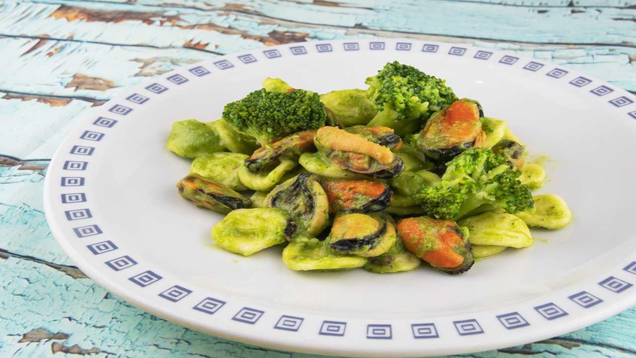 Pasta broccoli e cozze