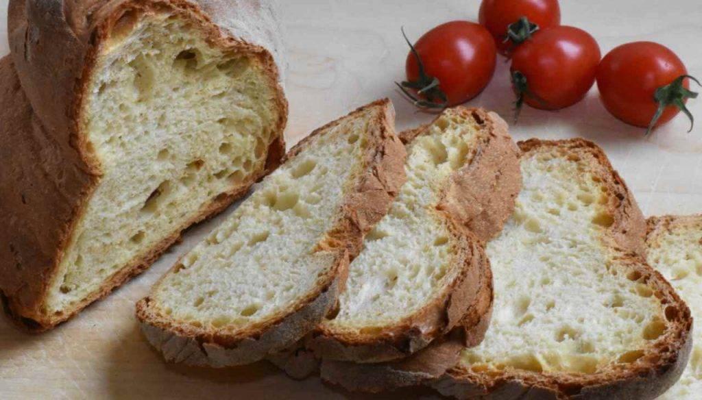 Pane e pomodori croccanti FOTO ricettasprint