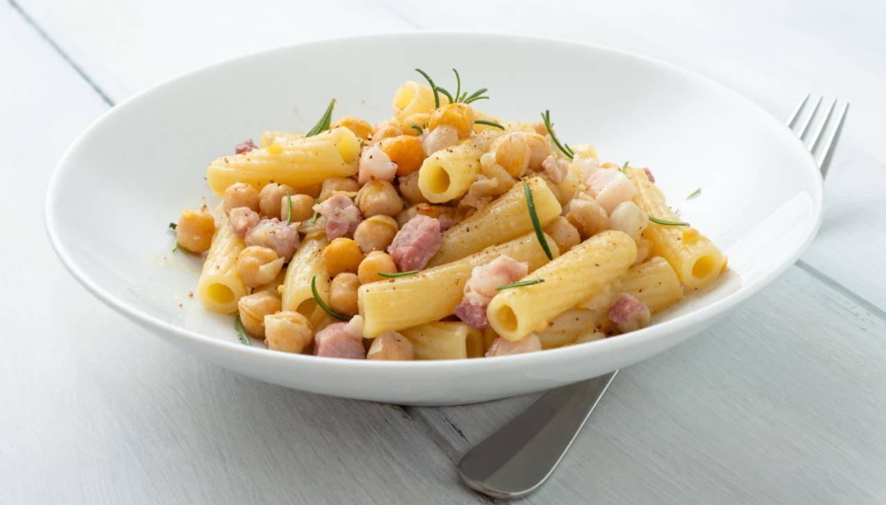 Pasta pancetta ceci rosmarino - ricettasprint