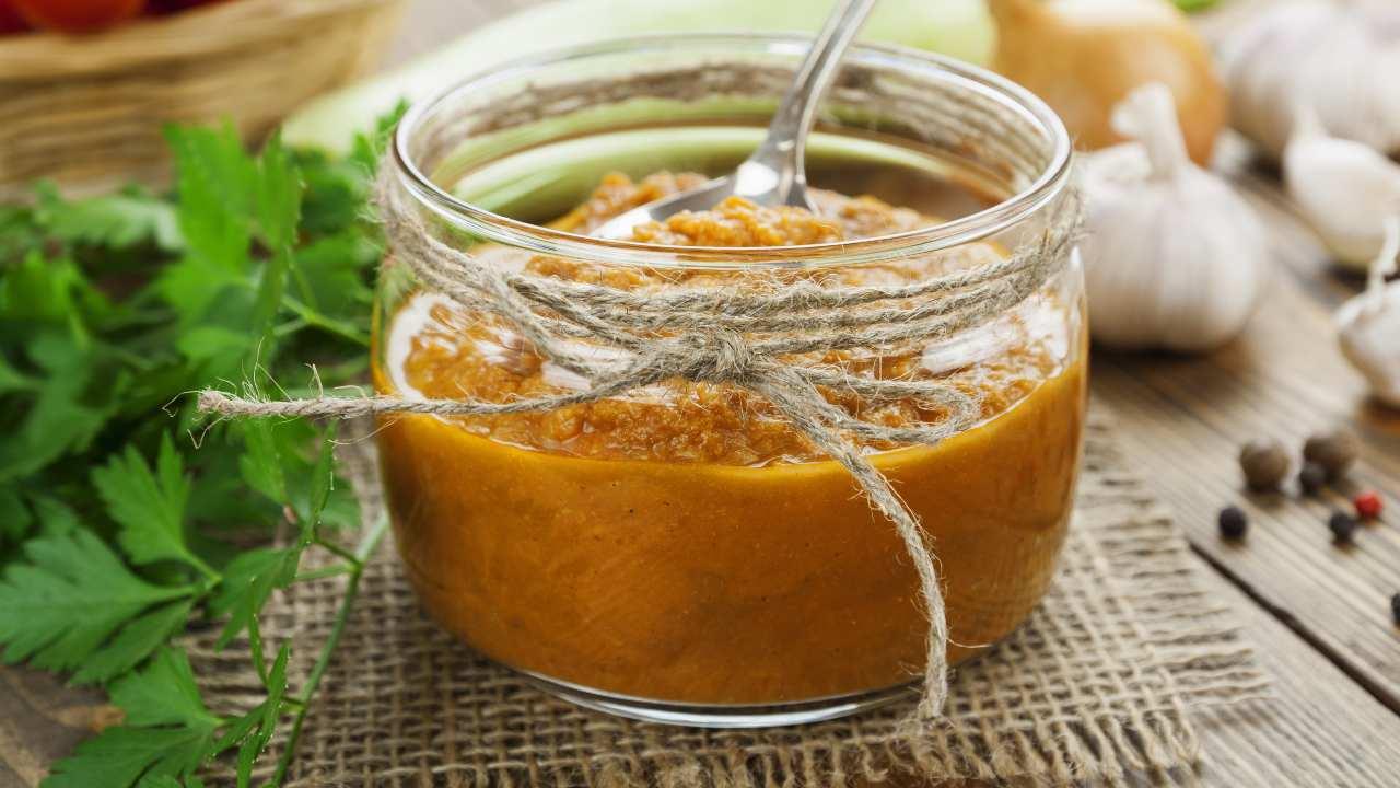 Salsa di pomodori e peperoni