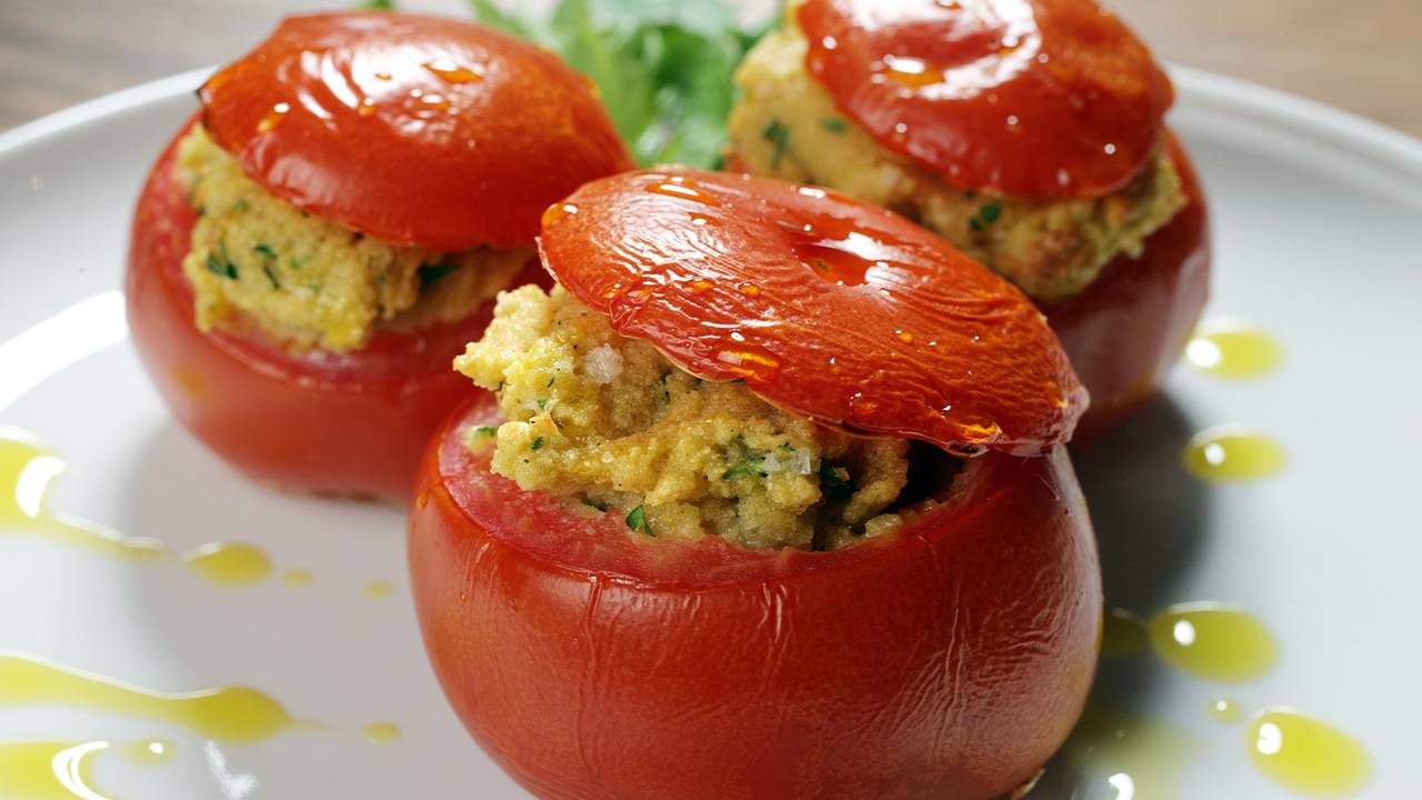 Pomodori farciti di vrdure e cous cous al forno