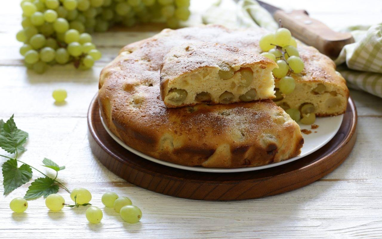 dolce al forno e uva FOTO ricettasprint