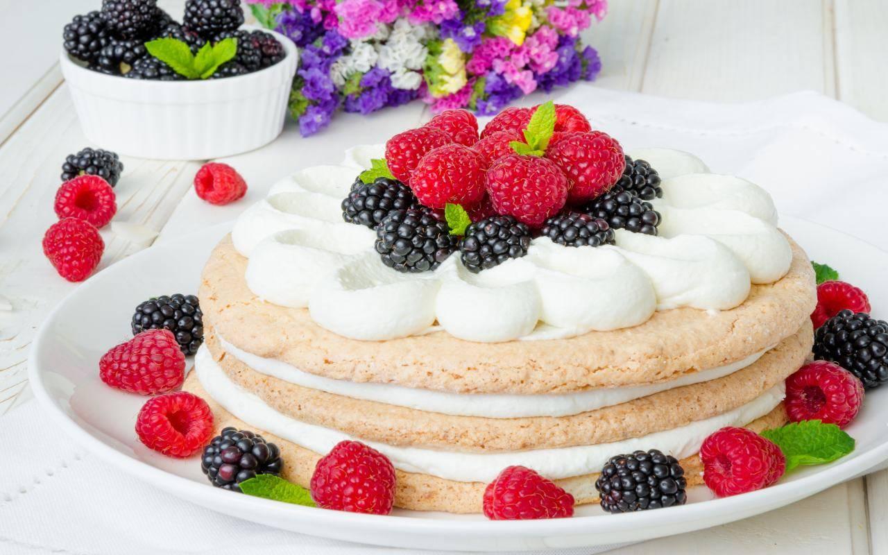 dolce con frutti rossi FOTO ricettasprint