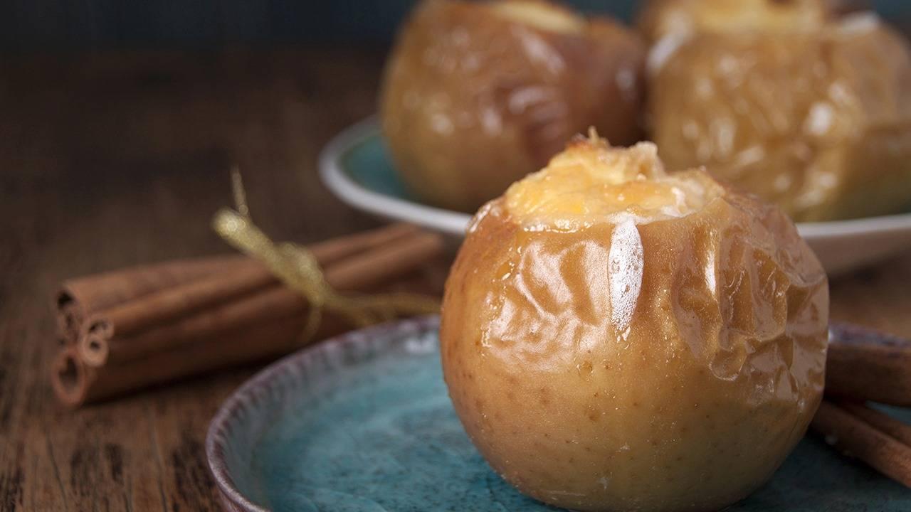 Dessert al formaggio e mele