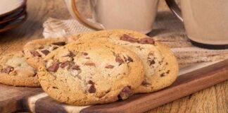 Biscotti con gocce di cioccolato leggeri