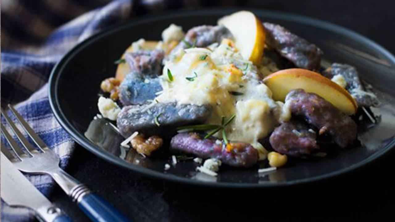 Pasta fresca con patate viola