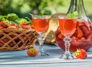 Bevanda alcolica alle fragole