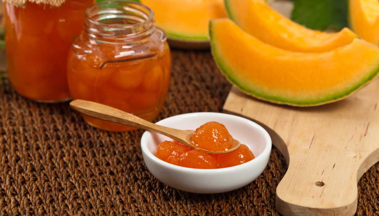 marmellata condimento frutta estiva