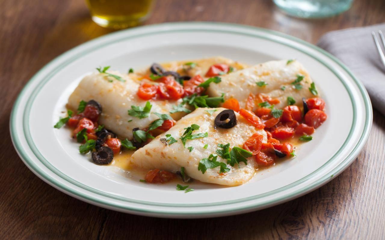 secondo piatto di olive e pesce FOTO ricettasprint
