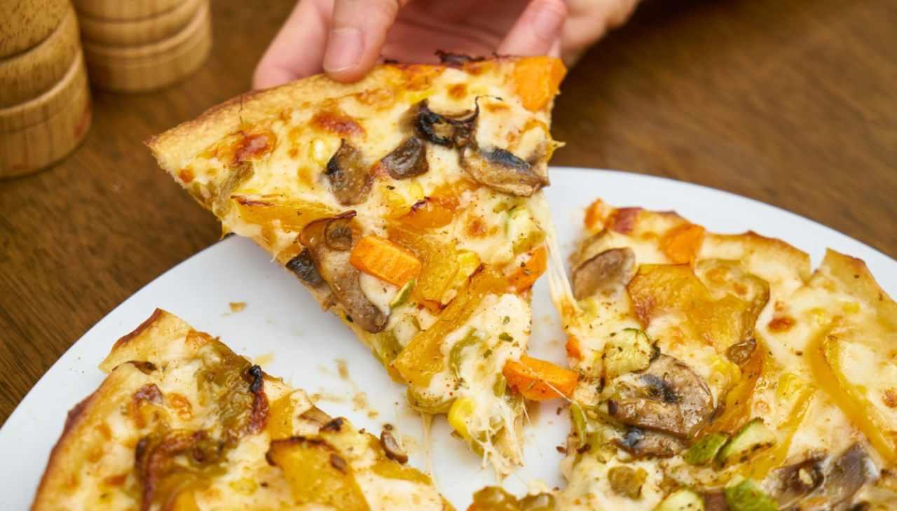pizza ortaggi funghi