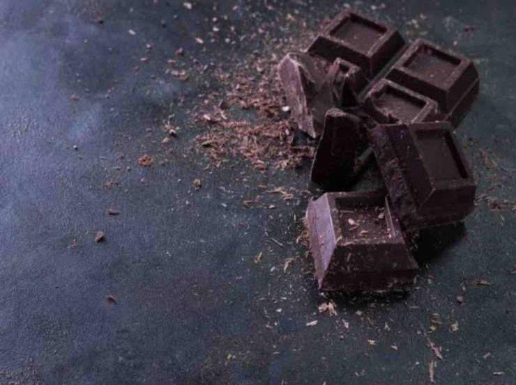 Dolce al cioccolato e pere