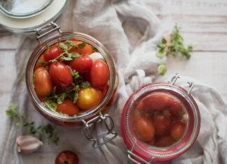 Conserva di pomodorini e basilico
